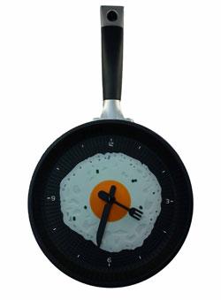 Кухонные настенные часы яичница