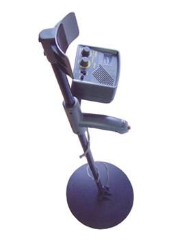 Поисковый детектор металла с наушниками