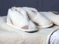 Теплые тапочки с овечьей шерстью
